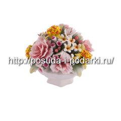 Статуэтка фарфоровая. Вазочка  со цветами d-10, h-9 см