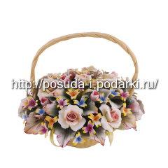 Статуэтка фарфоровая. Корзинка из цветами d-23, h-20 см