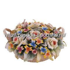 Статуэтка фарфоровая. Корзинка от цветами d-18, h-8 см