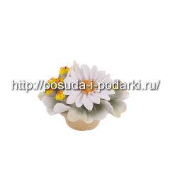 Статуэтка фарфоровая. Вазочка не без; цветами d-9, h-5,5 см