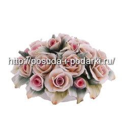 Статуэтка фарфоровая. Вазочка не без; розами d-19, h-11 см