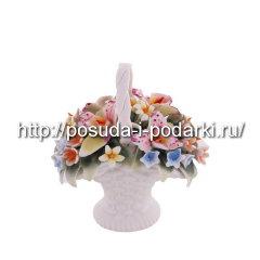 Статуэтка фарфоровая. Корзинка вместе с орхидеями 00*5, h-9 см