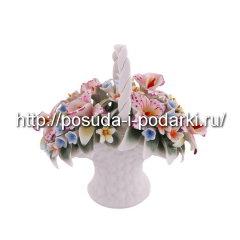 Статуэтка фарфоровая. Корзинка вместе с орхидеями 03*7, h-12,5 см