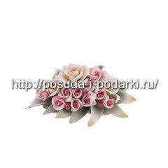 Статуэтка фарфоровая. Медальон вместе с цветами 0,5*11, h-6 см